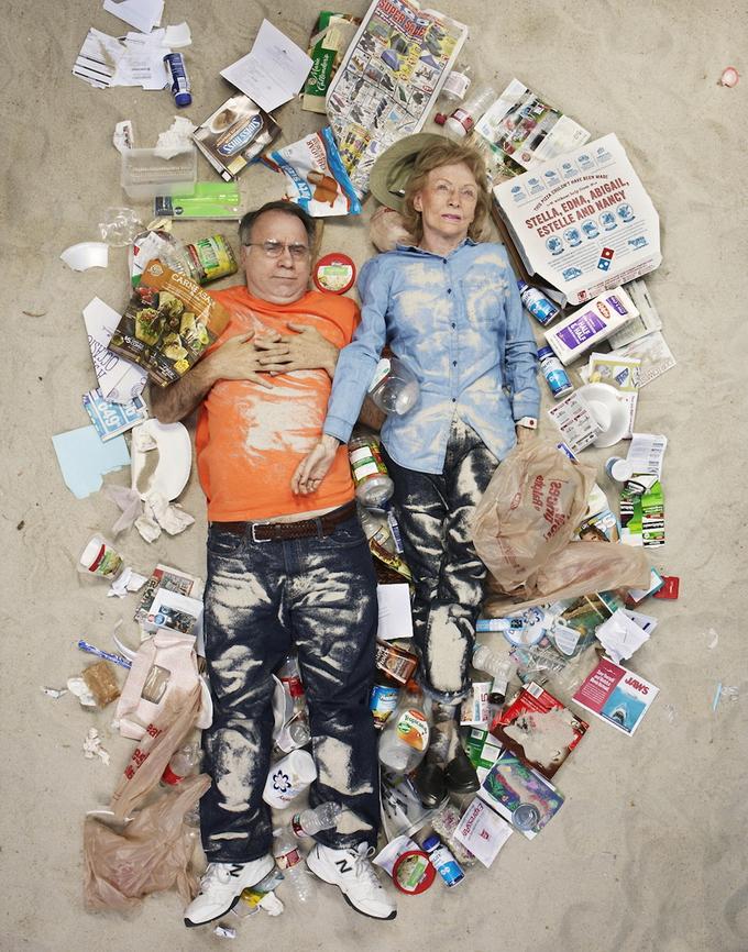 Недельный мусор человека фото