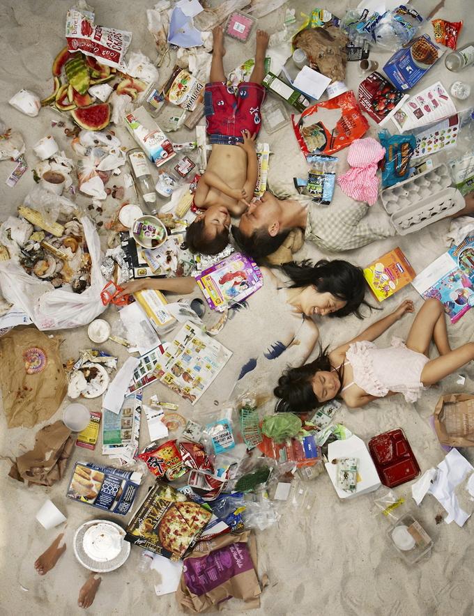 сколько семья производит мусора за недлею