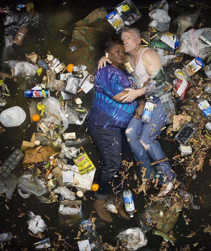сколько человек производит мусора за неделю?