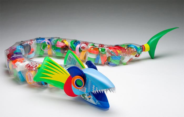 игрушка змея из пластиковых бутылок