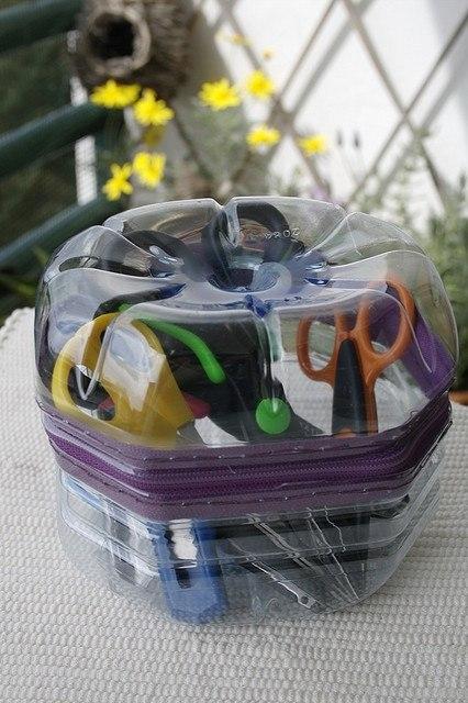 емкость для хранения ножниц из пластиковых бутылок