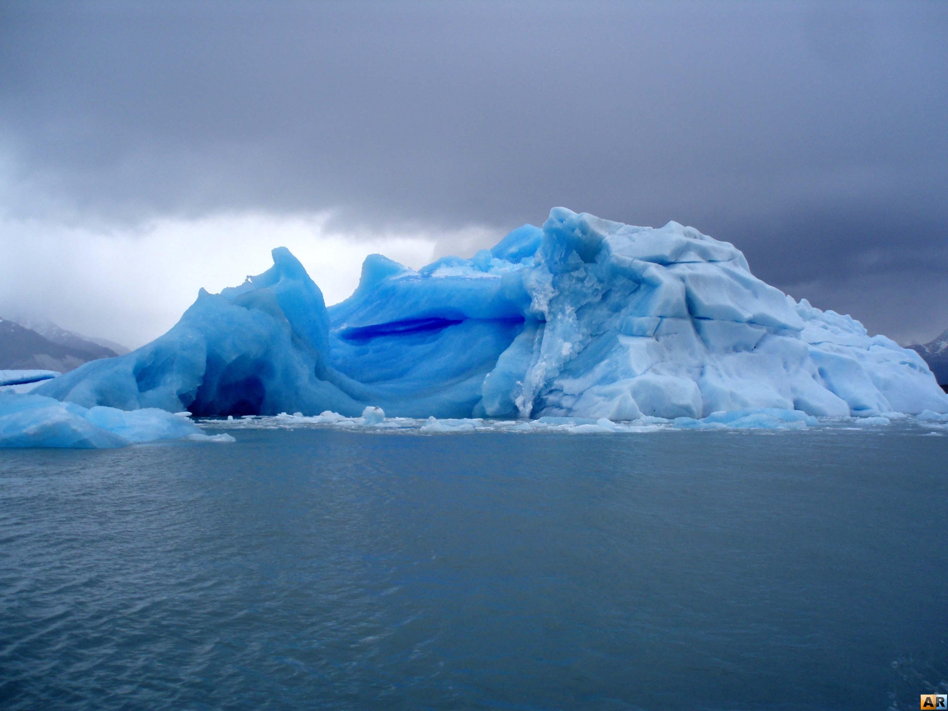 ледник на воде