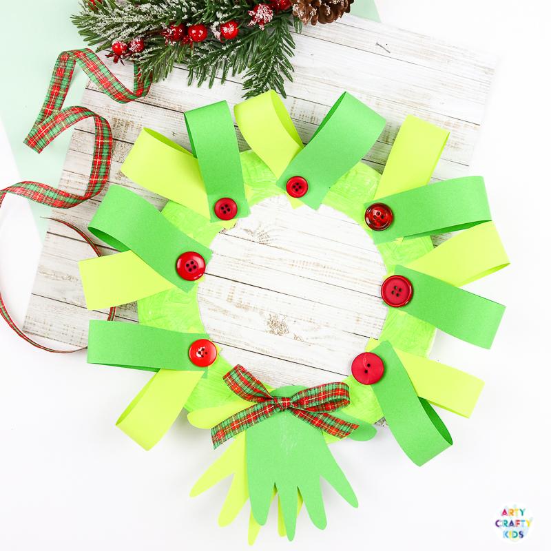 Рождественский венок из бумаги для детей